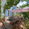 Maison / villa charentaise du 19ème siècle avec dépendances Sablonceaux - Photo 1