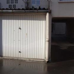 Toulouse av Saint exupery - garage fermé