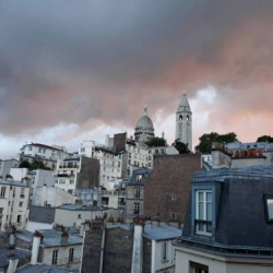 Sale Apartment Paris MONTMARTRE - 65m2