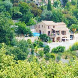 Maison 7 pièces de 200 m² + 4500 m² de terrain