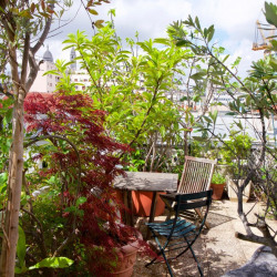 Vente Appartement Paris Au pied de la Butte Montmartre - 150 m²