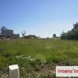 Terrain a bâtir st bardoux - 1030 m²