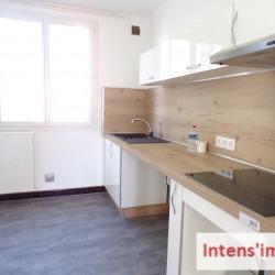 APPARTEMENT RENOVE ROMANS SUR ISERE - 3 pièce(s) - 57 m2