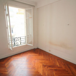 Appartement Nice 2 pièce (s) 43 m² /étage/Rue RUSSI