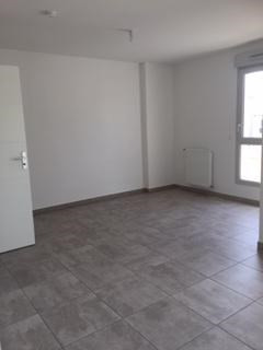 Rental apartment Villeurbanne 516€ CC - Picture 2