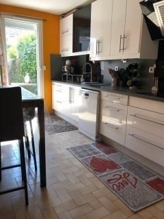 Sale house / villa Maurepas 349500€ - Picture 4
