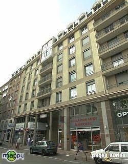 Location appartement Lyon 8ème 810€ CC - Photo 1