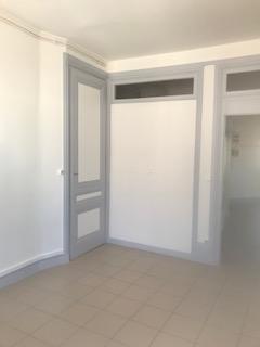 Location appartement Lyon 6ème 1093€ CC - Photo 3
