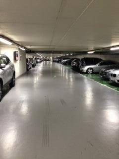 Location parking Paris 16ème 300€ CC - Photo 1