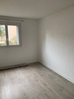 Rental apartment Neuilly sur marne 1355€ CC - Picture 4