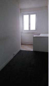 Locação apartamento Paris 18ème 650€ CC - Fotografia 6