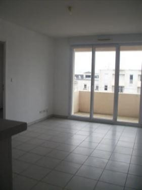 Location appartement Poitiers 415€ CC - Photo 3