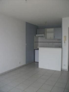 Location appartement Poitiers 415€ CC - Photo 2