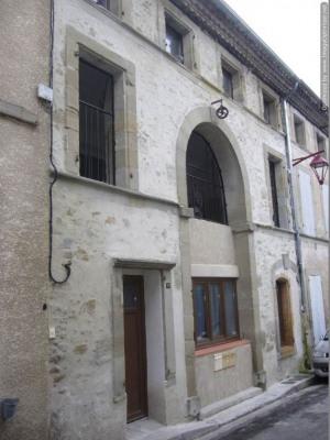 Immeuble rénové de 3 appartements avec cour et terrasse