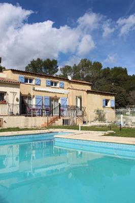 Maison familiale, authentique au coeur de la Provence