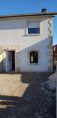 Maison Mitoyenne T3 avec Cour en façade et Terrasse à l'arrière