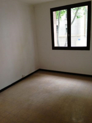 A VENDRE APPARTEMENT MARSEILLE 5ème Jeanne D'Arc - Appartement T3 de 56m² entièrement rénové. Fonctionnel ...