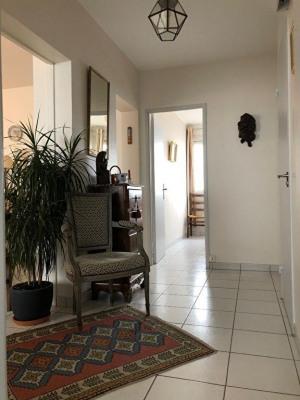 Appartement 4 pièce (s) 71 m², cave et parking