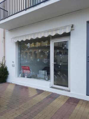 Local commercial Aire Sur L Adour 2 pièce (s) 30 m²