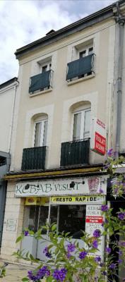 Immeuble Chateau Renault 4 pièce(s) 130 m2