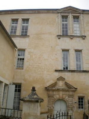 Fontenay Le Comte - 2 pièce (s) - 59 m²