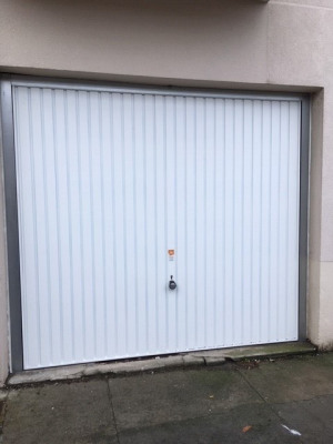 GRENOBLE Eaux Claires, Garage sur cour intérieure à louer