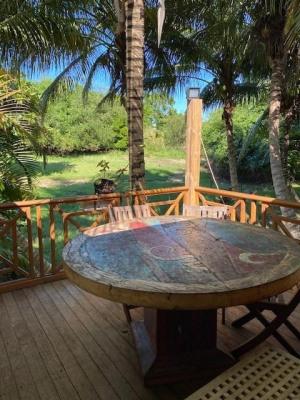 Maison en bois et dépendances à 150m des plages