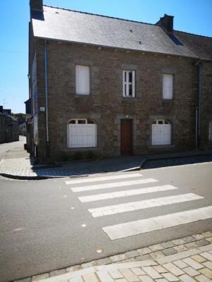 Maison de village ST NICOLAS DU PELEM 129 800 euros