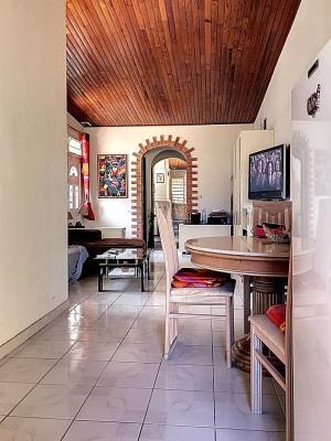 Jolie maison T3 avec un studio indépendant proche La Meynard