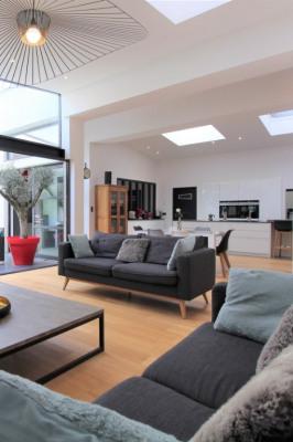 Appartement 74600 4 pièce(s) 210 m2
