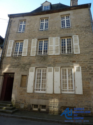 Immeuble centre ville Pontivy, 4 appartements, 210 m²