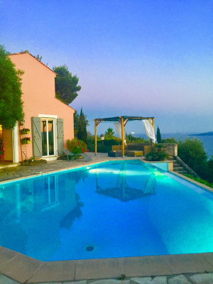 St Tropez Bay Villa vue mer et piscine