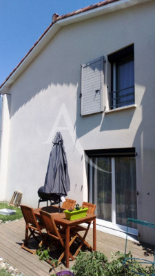 Maison La Salvetat Saint Gilles 4 pièce (s)