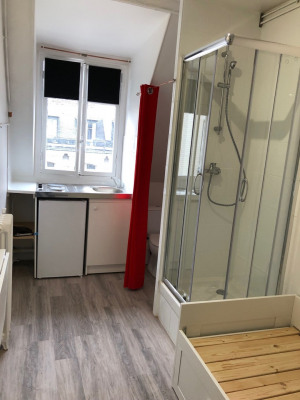 Location Appartement Paris Courcelles - 9 m²