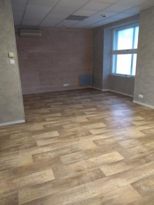 Local montaigu 50 m²