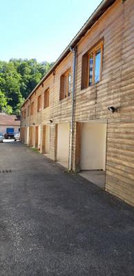 Immeuble de rapport 11 T3 + 11 Garages + 1 Maisonnette T2 av