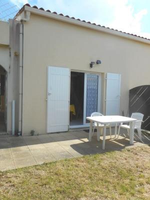 Maisonnette 2 pièces, terrasse, jardinet, piscine collective
