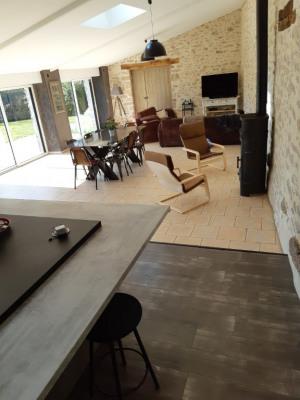Belle rénovation en pierre 5 chambres et bureau