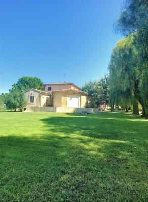 Maison Rochefort du Gard avec terrain arboré de 4000m²