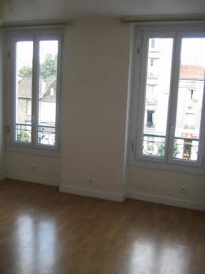Studio de 30.83 m² au 2ème étage. Carrefour Pleyel - Bouleva