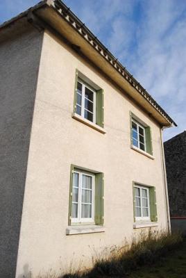 Maison (T4) en très bon état sur env. 350m² du jardin clos
