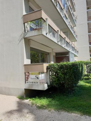 GRENOBLE Catane Vallier Grand T3 avec balcon