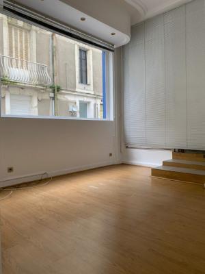 Locaux professionnels segre - 40 m²