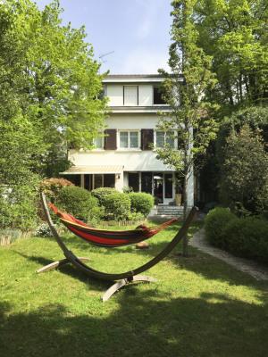 Maison avec jardin arboré exposée SO