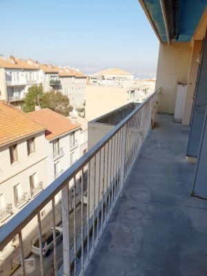 Appartement 3 pièces avec balcons