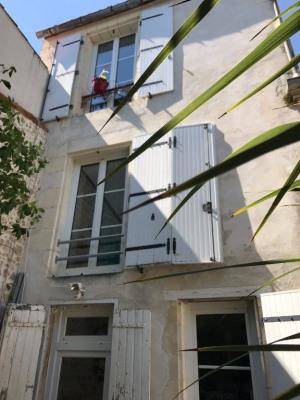A vendre la rochelle centre ville appartement avec jardin