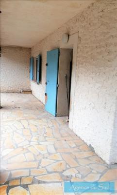 Bas villa