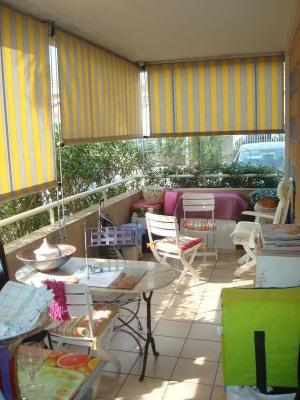 AGENCE LOW COST 1 % HT (1,196 % TTC) vous propose: A FREJUS PLAGE, bel appartement 2 pièces 47M² en rez- ...