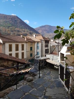 Maison de village avec cour, habitable de suite