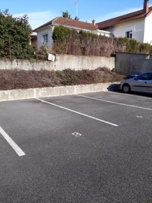 Parking proche chru